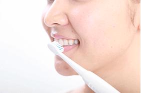 電動歯ブラシでの歯磨き