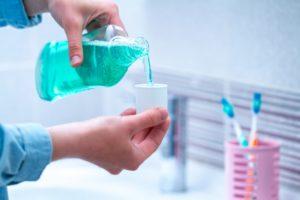 フッ素配合の歯磨き粉やうがい薬の効果